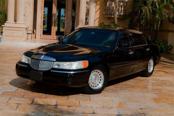 Lincoln Sedan Orlando Rental